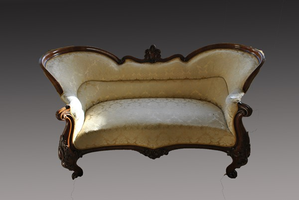 Victorian Walnut Sofa Before Restoration